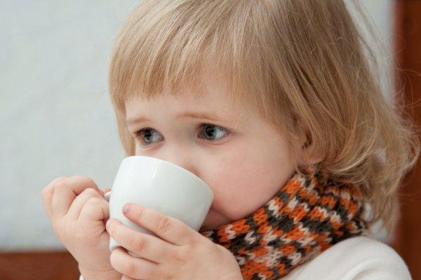 Пить теплые напитки